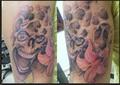 smejici se lebka a lilie  Tetování - kérky - Tattoo